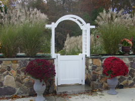 Arbor_with_Gate_200